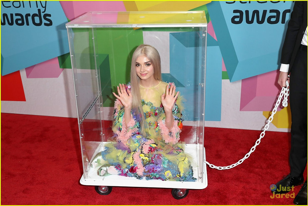 poppy-wheeled-box-streamy-awards-breakth