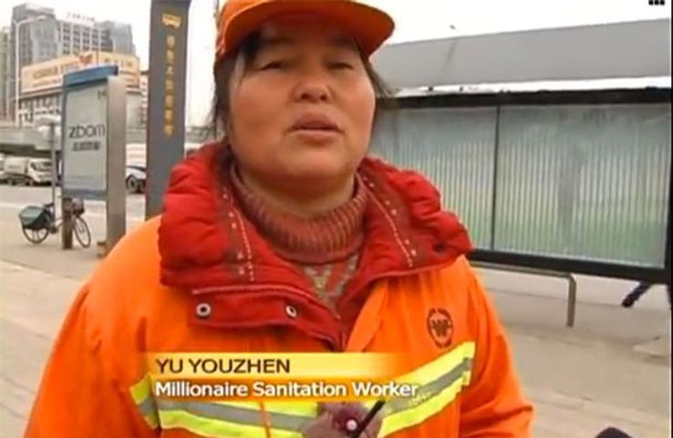 Chinese-millionaire-works-as-a-street-cl