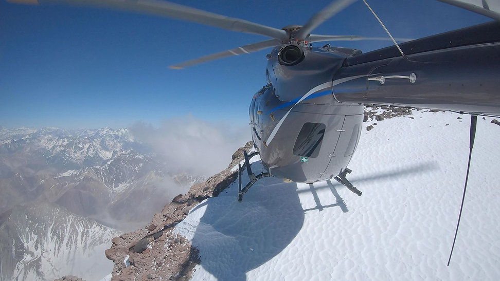 Airbus-Helicopters-H145-Aconcagua-landin