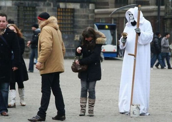 Funny-Situations-Grim-Reaper-Picture.jpg