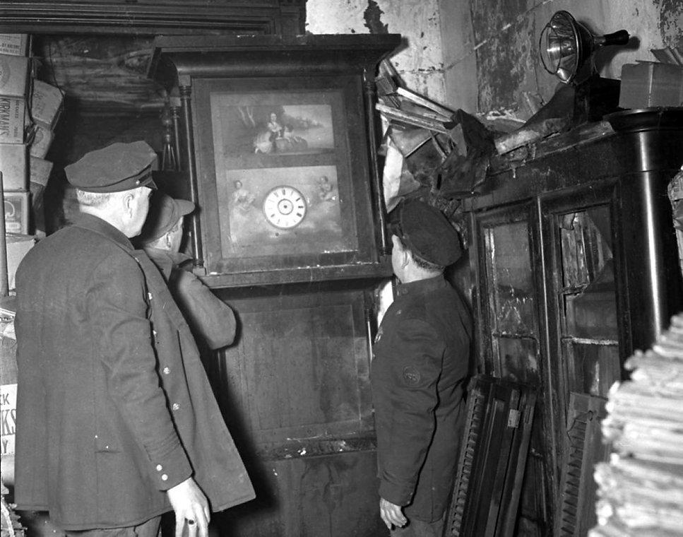 collyer-brothers-brownstone-1947.jpg