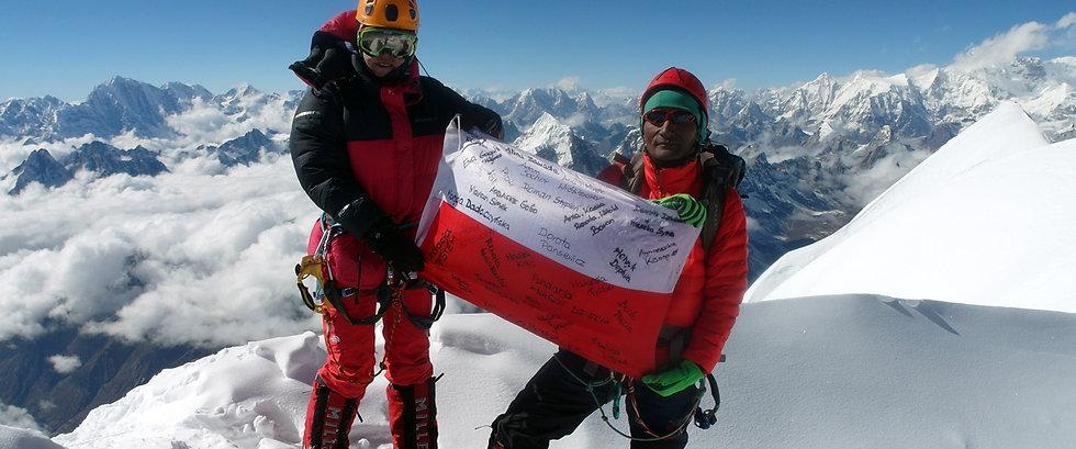 Monika-and-Lhakpa-Gelbu-Sherpa-at-the-su