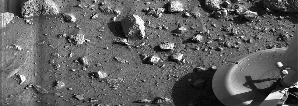 first-photo-taken-on-mars.jpg