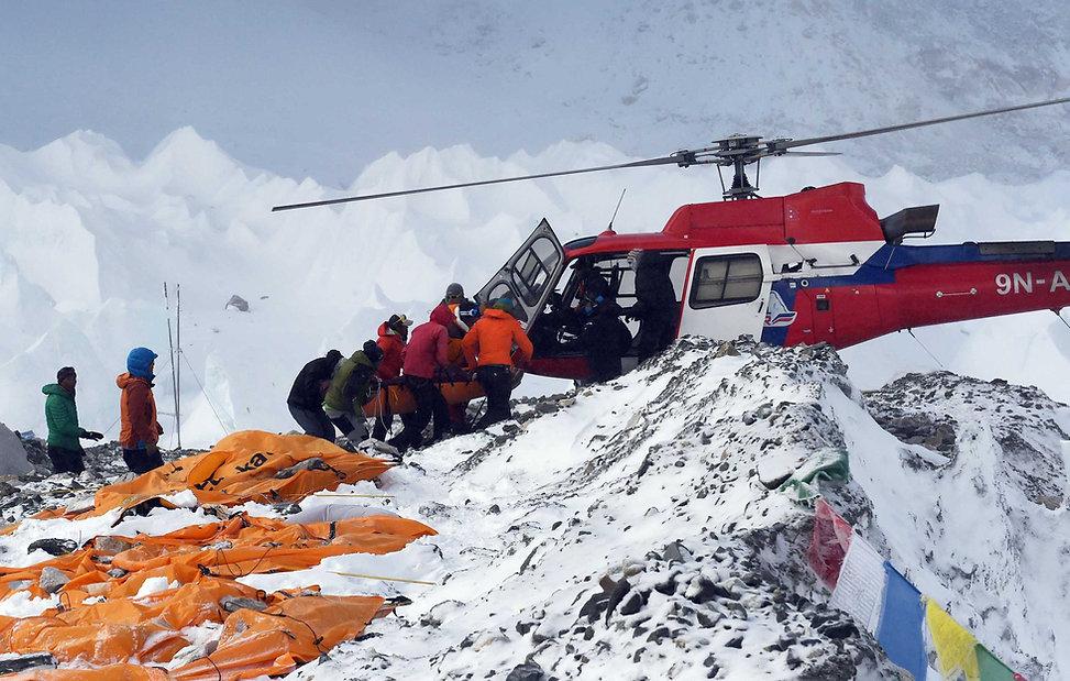 everest-avalanche-earthquake-08.jpg