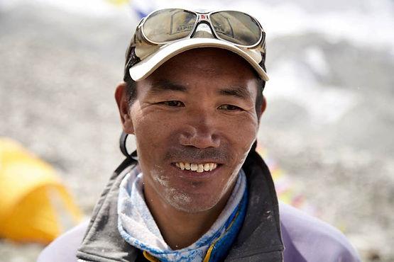 Kami-Riat-Sherpa-Mt-Everest.jpg