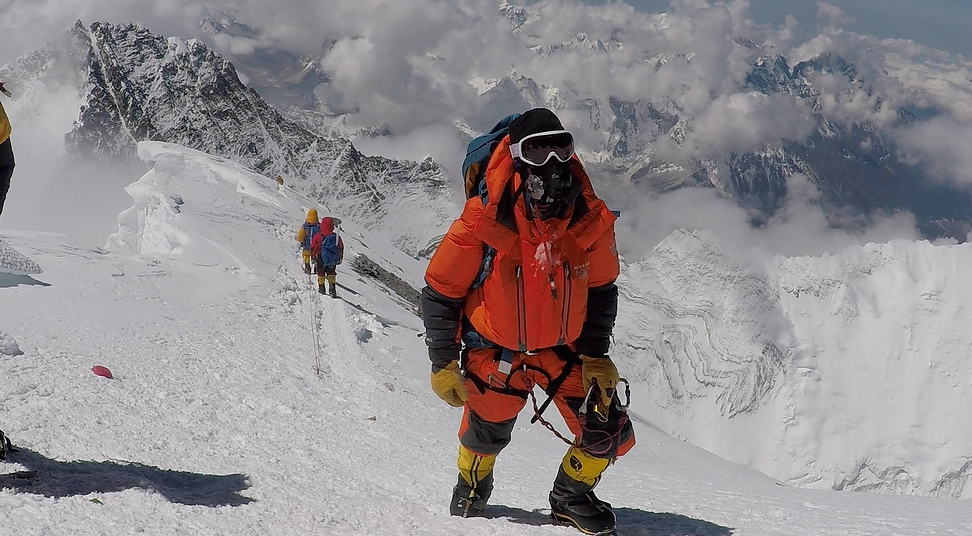 Chris+Bombardier+on+Everest+4+(1).png