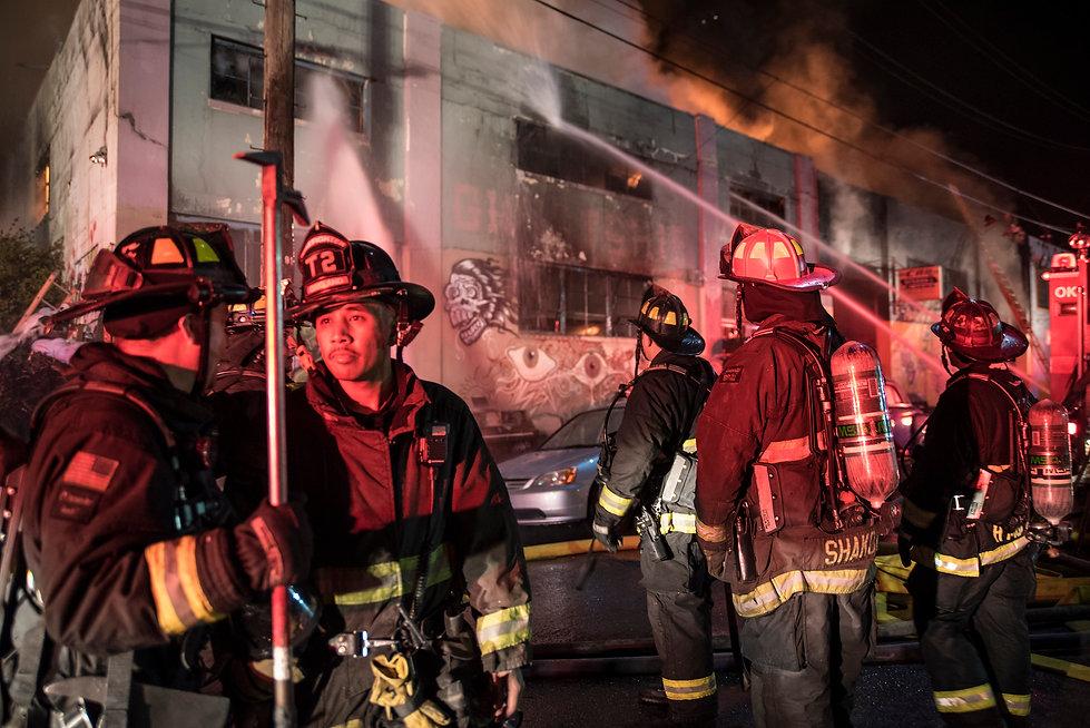ss-161204-oakland-fire-12_eedb7672212e8d