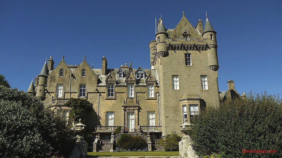 Lochinch-Castle.jpg