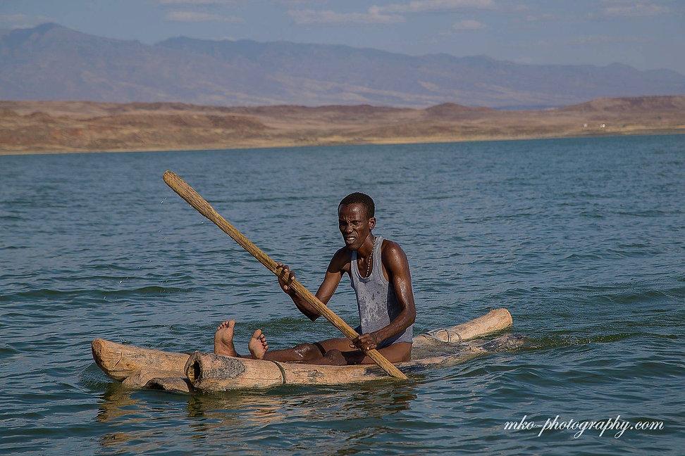AI6I1342_Tribe-El-Molo_Lake-Turkana_Nort