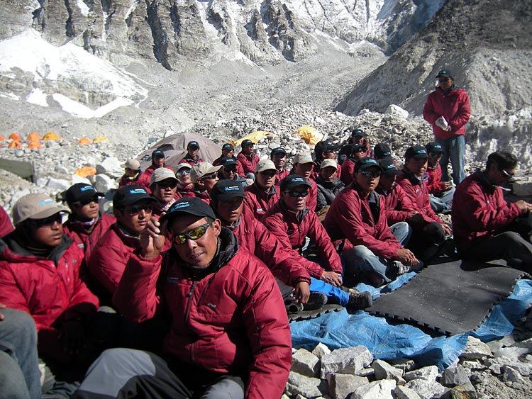 sherpa-team20091.jpg