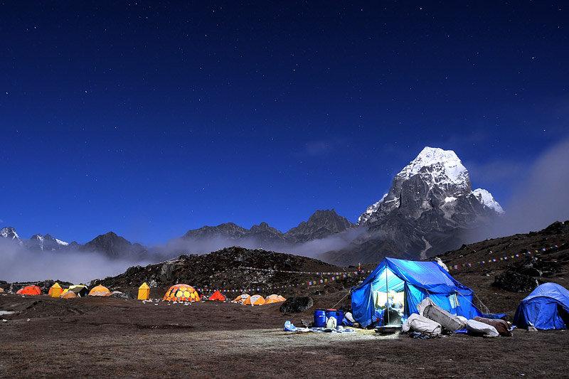 mount-ama-dablam-night-photography-of-th