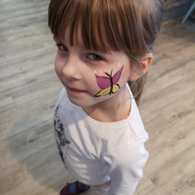 Book a Professional Face Painter