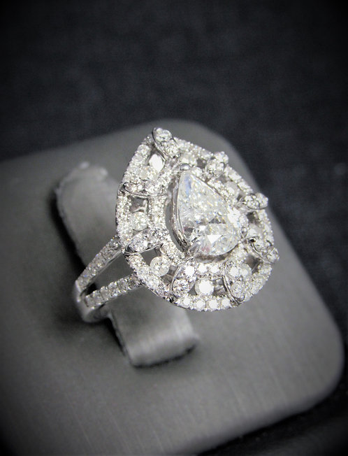 14KT White Gold Pear Shape Cut Diamond Engagement Ring