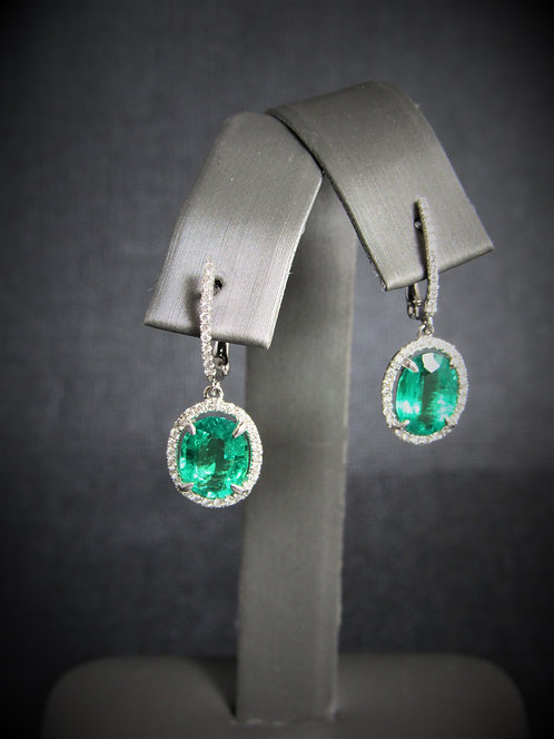 18KT White Gold Diamond And Emerald Dangling Earrings