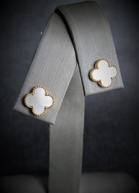 14KT Yellow Gold White Mother Of Pearl Clover Stud Earrings
