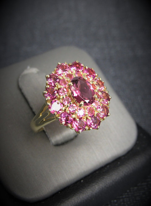 14KT Yellow Gold Pink Tourmaline Oval Cluster Style Ring