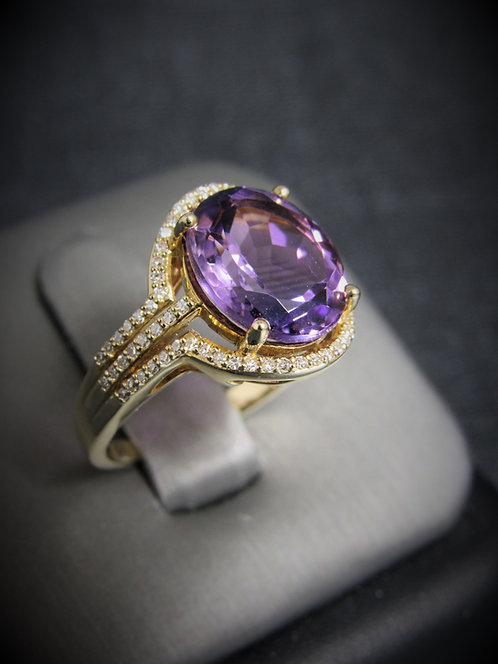 14KT Yellow Gold Diamond And Amethyst Ring