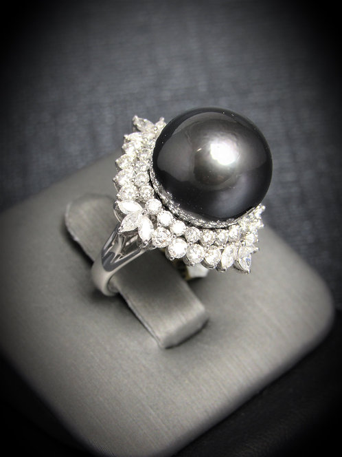 18KT White Gold Diamond And Tahitian Pearl Ring