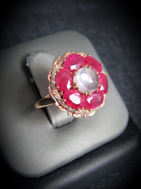 14KT Rose Gold Diamond And Ruby Ring