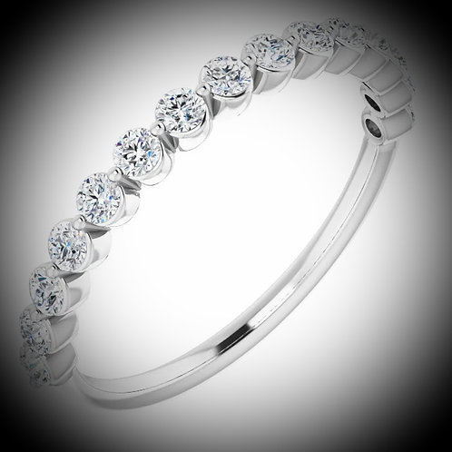 14KT White Gold Round Cut Diamond Band