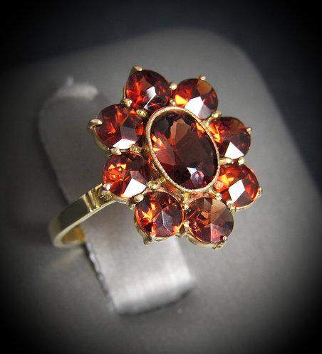10KT Yellow Gold Bohemian Garnet Antique Flower Ring