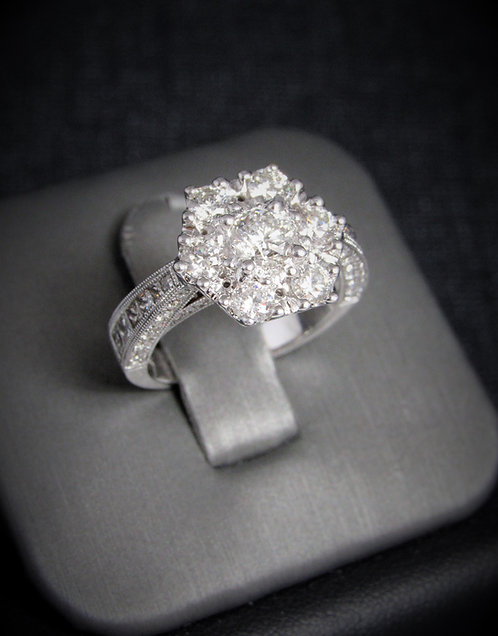 14KT White Gold Round Cut Diamond Cluster Style Engagement Ring