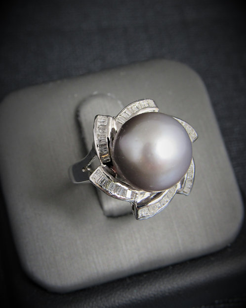 14KT White Gold Diamond And Tahitian Pearl Ring