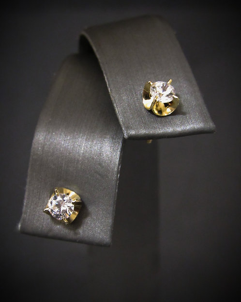 14KT Yellow Gold Stud Earrings With White Topaz