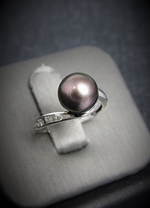 14KT White Gold Diamond And Black Tahitian Pearl Ring