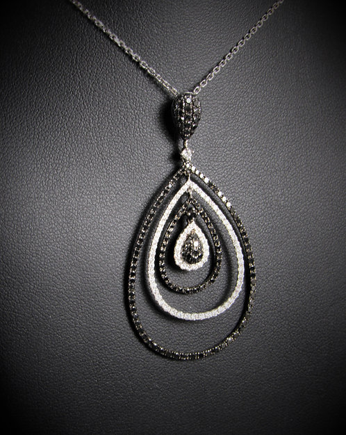 18KT White And Black Gold White And Black Diamond Pendant