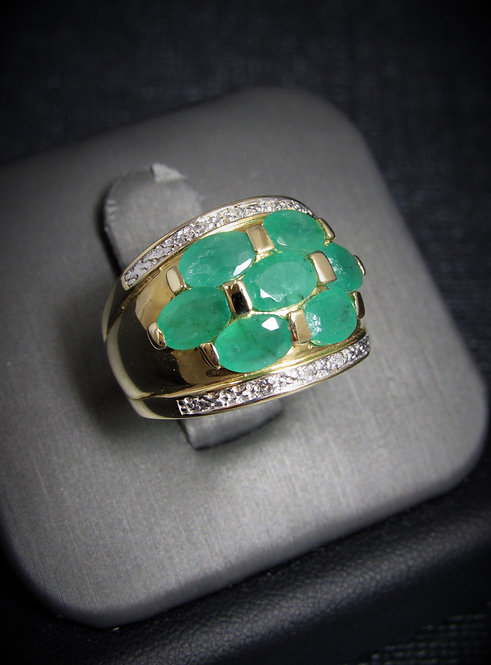 14KT Yellow Gold Diamond And Emerald Ring