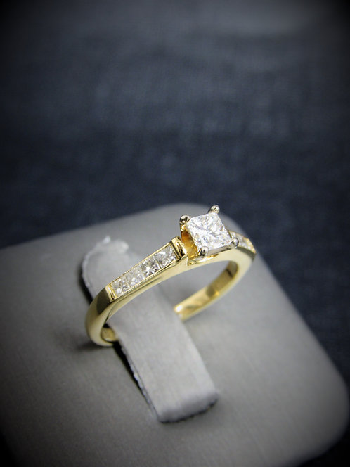 18KT Yellow Gold Princess Cut Diamond Engagement Ring