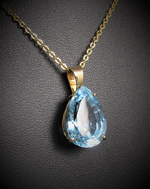 14KT Yellow Gold Blue Topaz Pear Shape Pendant
