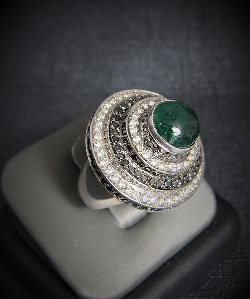 18KT White Gold Diamond And Cabochon Emerald Ring