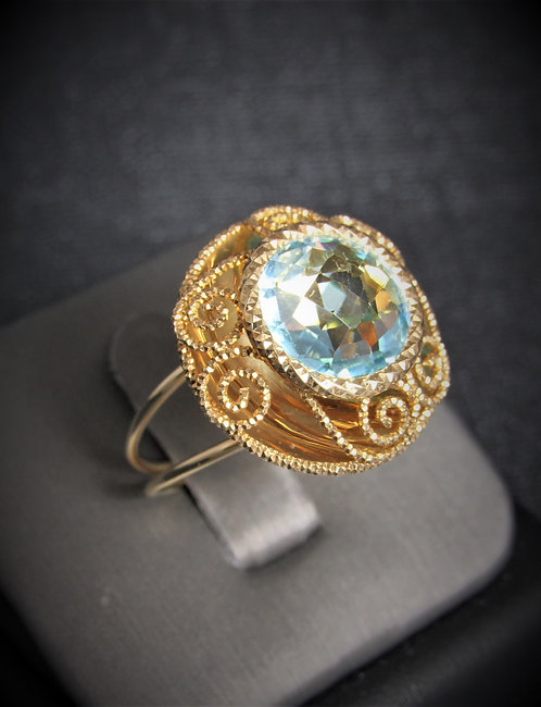 14KT Yellow Gold Blue Topaz Filigree Style Round Ring