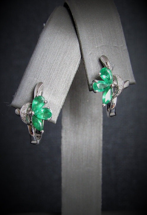 14KT White Gold Diamond And Emerald Earrings