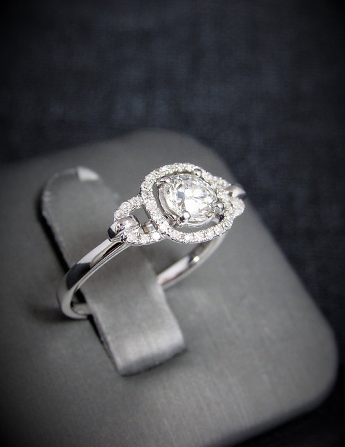 14KT White Gold Round Brilliant Cut Diamond Engagement Ring