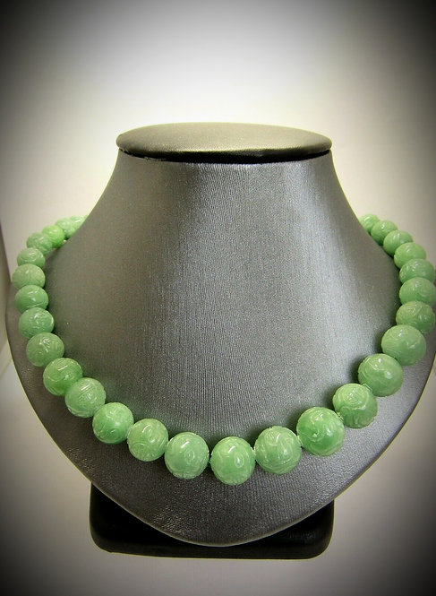 Chinese Vintage Carved Green Jade Jadeite Bead Necklace With Silver Clasp