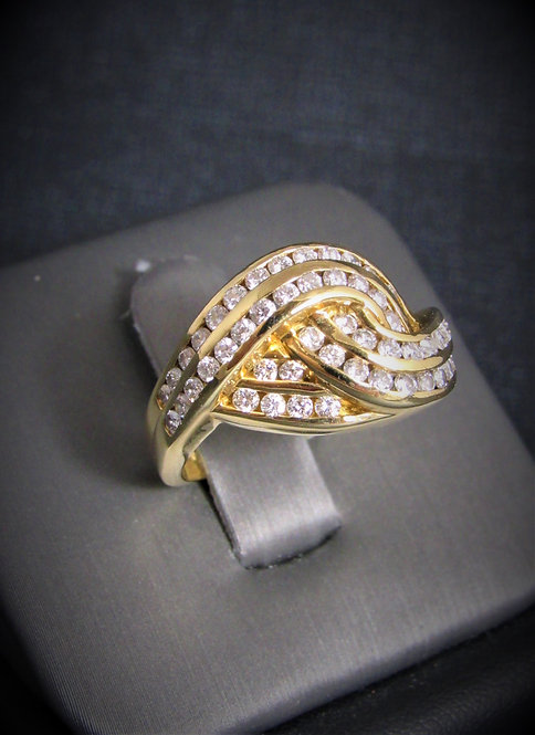 18KT Yellow Gold Diamond Knot Ring