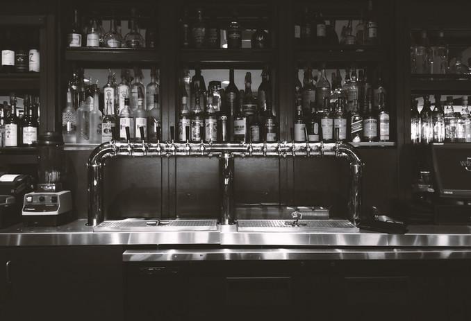 Bar ein Alkohol