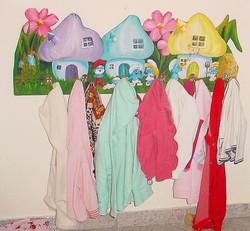 Smurf hanger