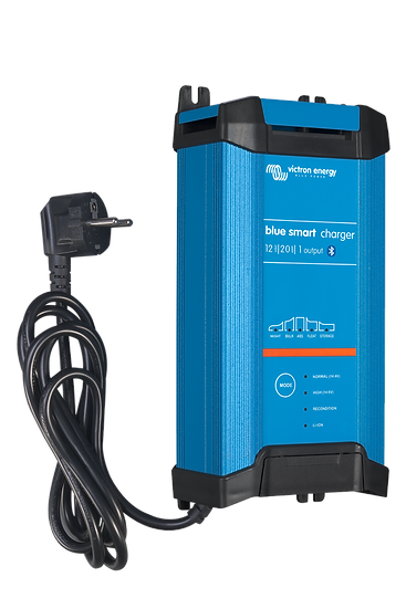 Blue Smart IP22 Charger 12/20 (1)