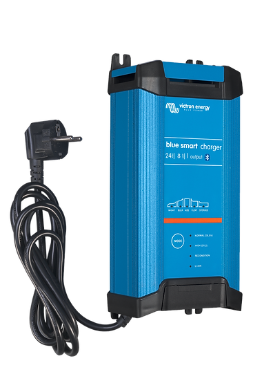 Blue Smart IP22 Charger 24/8 (1)