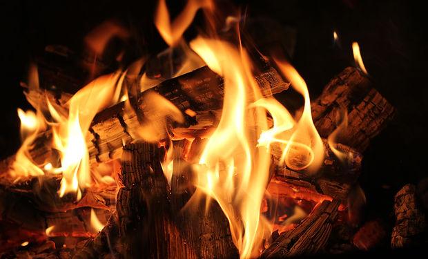 barbecue-blaze-bonfire-220129.jpg