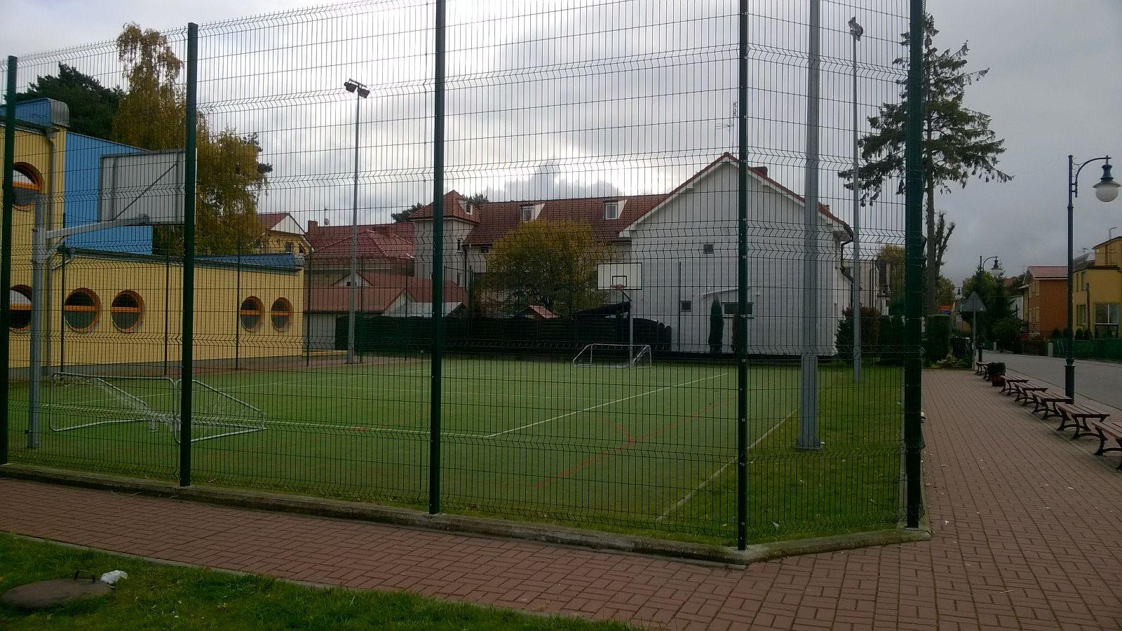 kleiner Sportplatz