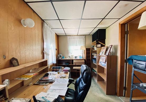 09-officejpeg