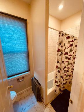 06-bathroom.jpeg