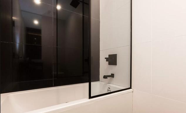 11-bathroom.png