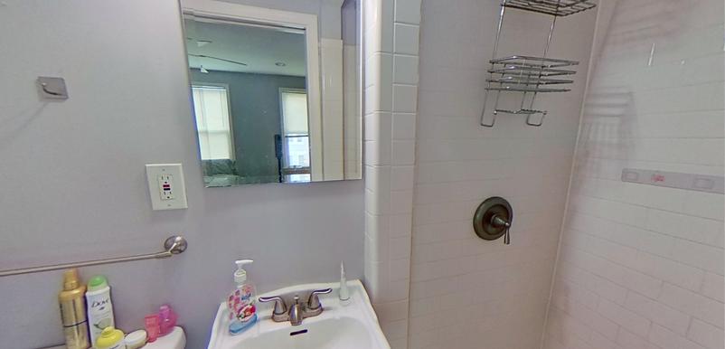 Bedroom E Bathroom