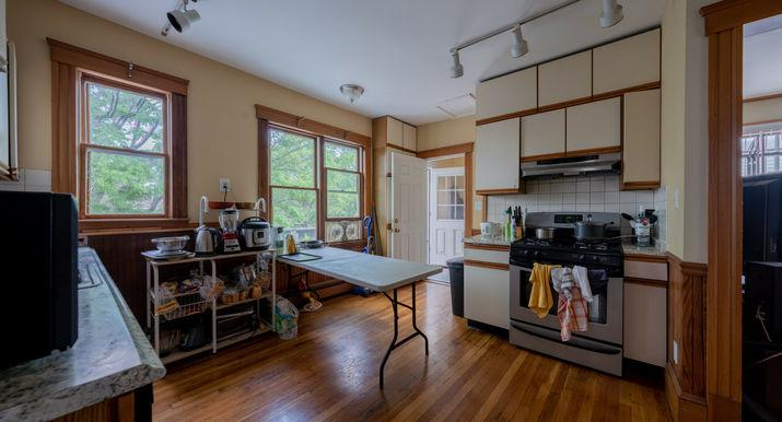 04-kitchen.jpeg